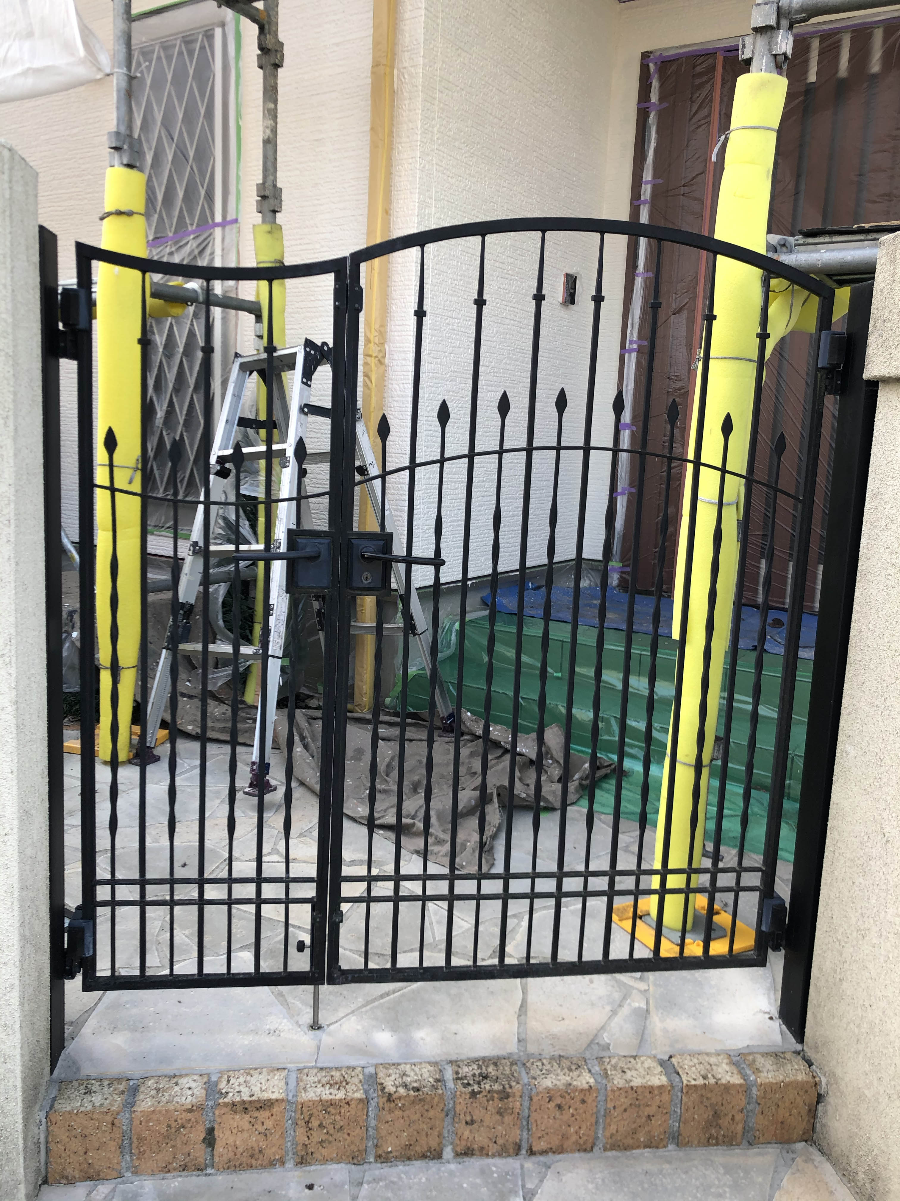 玄関門扉修理