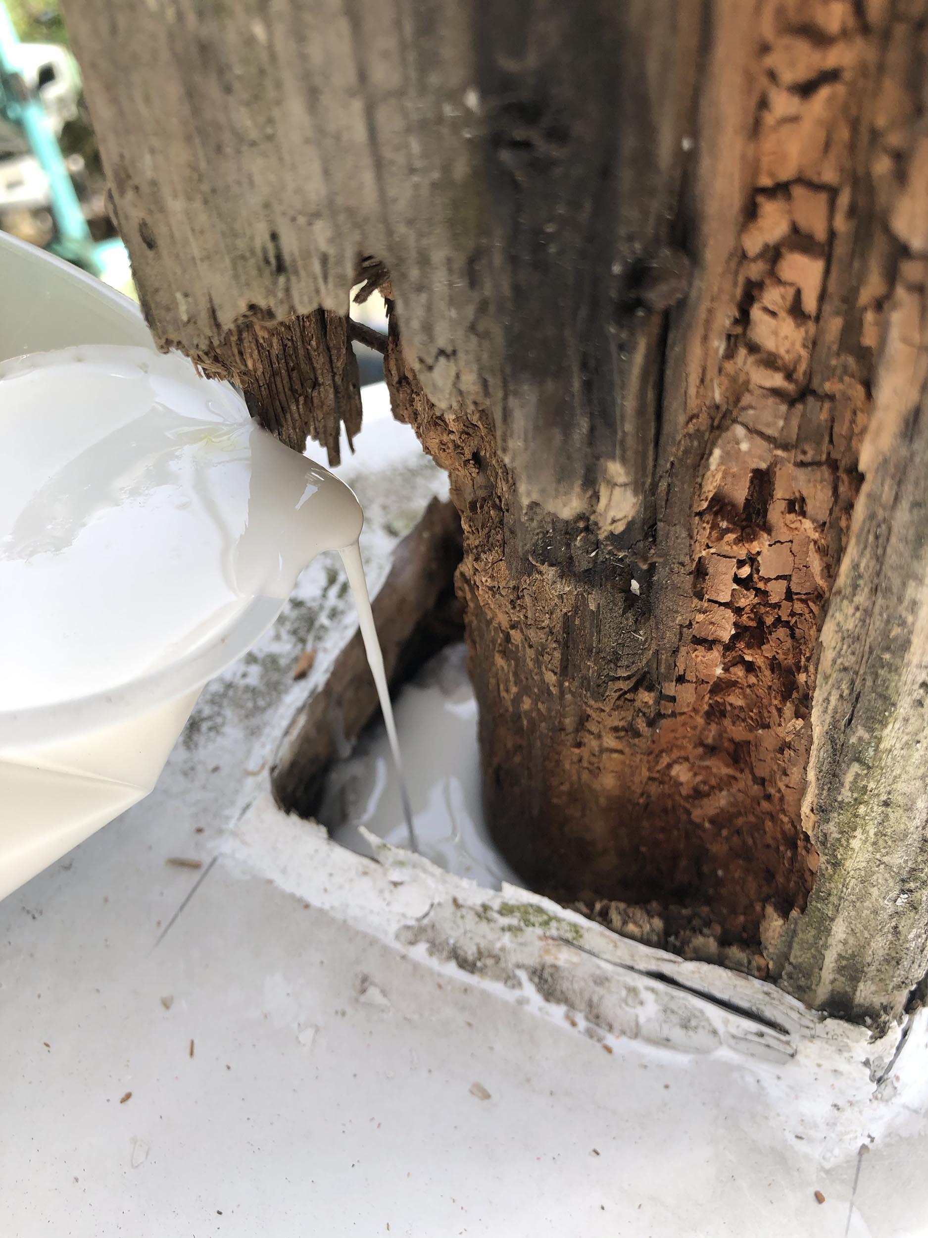 デッキ木製柱補修